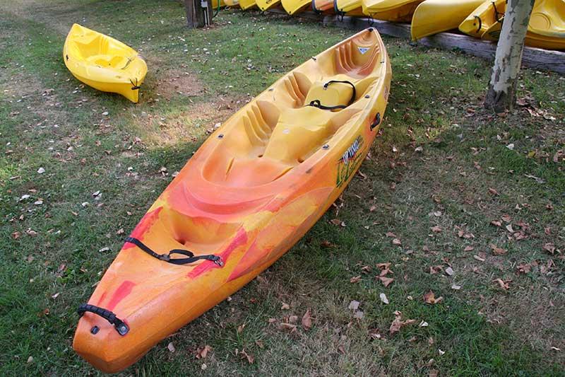 Location de canoës Kayaks spirits aux Canoës des Courreges, Le Bugue en Périgord